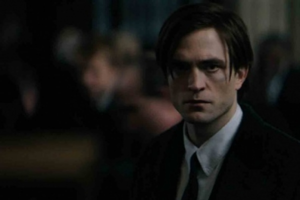 "El Pattinson se reincorporó al rodaje de ""The Batman"" tras superar el covid-19"